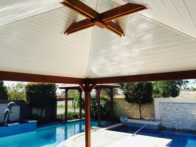 Perth timber patios pergolas alfrescos decking for Skillion roof definition