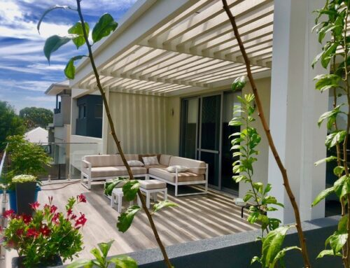 Control the Sun With A Fixed Louvre Pergola
